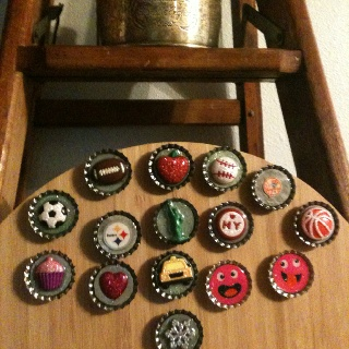 51 best images about bottle caps crafts on pinterest for Water bottle cap crafts