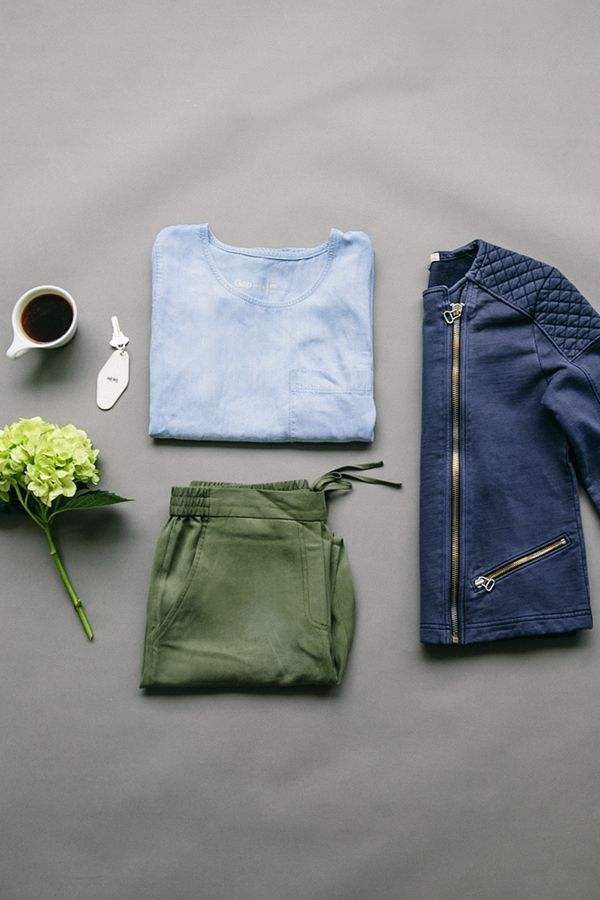 Upgrade your weekend wardrobe with easy basics from Gap. Shop new staple pieces for the perfect relaxed look.