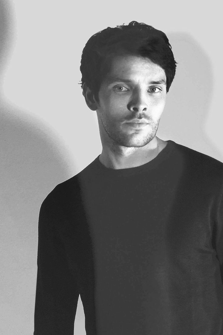 A detailed account of the effects of Colin Morgan : Photo