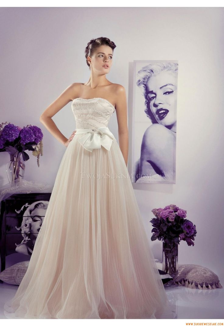 42 best suknie ślubne warszawa images on Pinterest | Wedding frocks ...