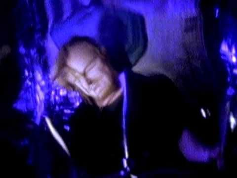 Stone Temple Pilots 'Plush' #video - more disturbing nightmare type shots of the band and story telling. Great song.