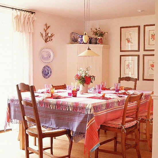 Pink and lilac dining room table