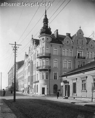 Kalevankadun ja Annankadun kulma. Kuva: Daniel Nyblin.