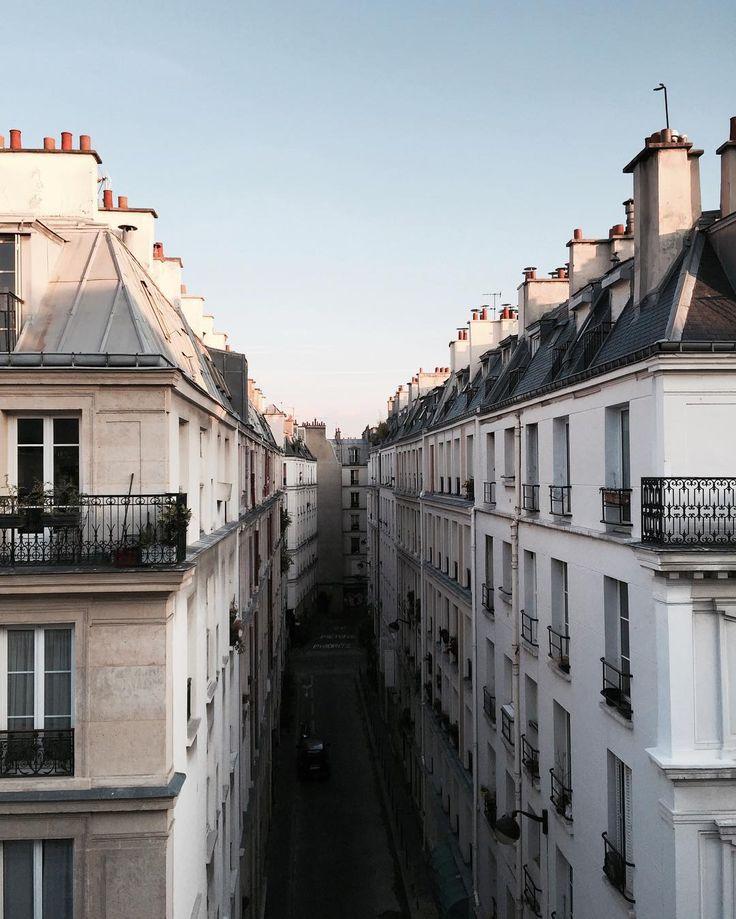 Ma sœur est à la recherche pour début novembre d'une sous location transitoire d'un petit appartement pour environ trois mois à Paris, si vous avez des plans merci merci pour votre aide. Son e-mail lecuyerdel@hotmail.fr