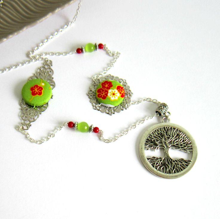 Sautoir printanier arbre de vie argenté, vert, rouge, coton japonais, fleurs de cerisier, perles de verre : Collier par color-life-bijoux
