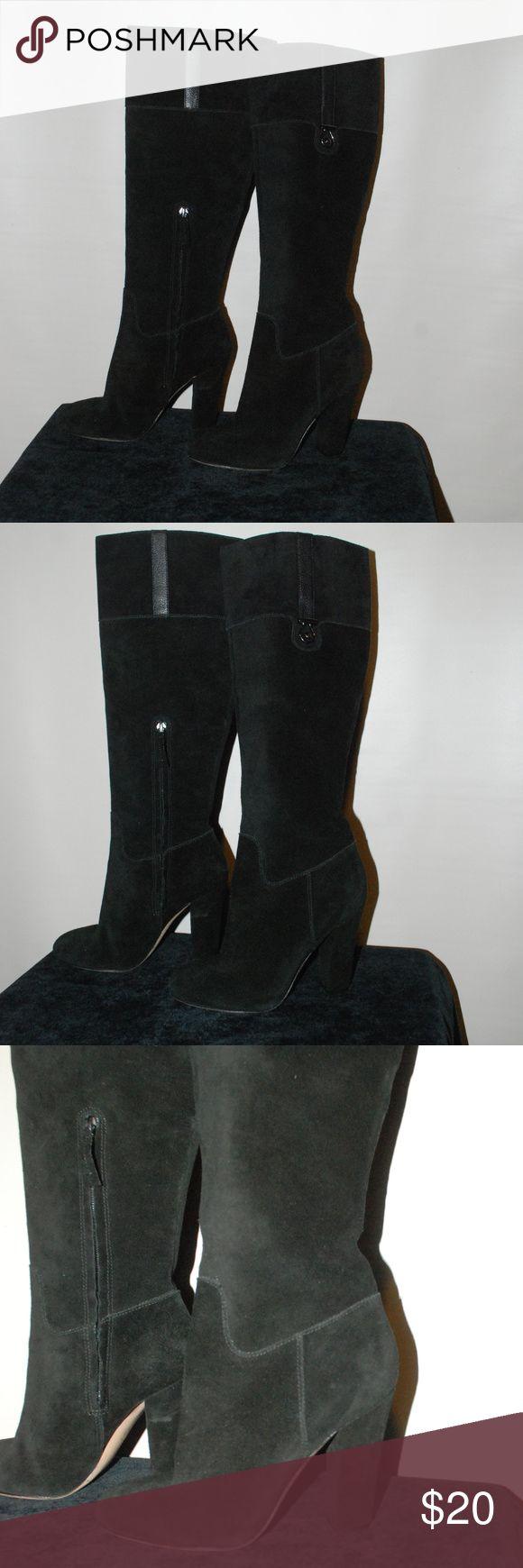 "Joan & David Black knee high boots 4"" Joan & David Black knee high boots 4"" Good clean condition Chunky heel side zipper top of shaft to bottom heel 16"" 14"" around at the top Joan & David Shoes Heeled Boots"