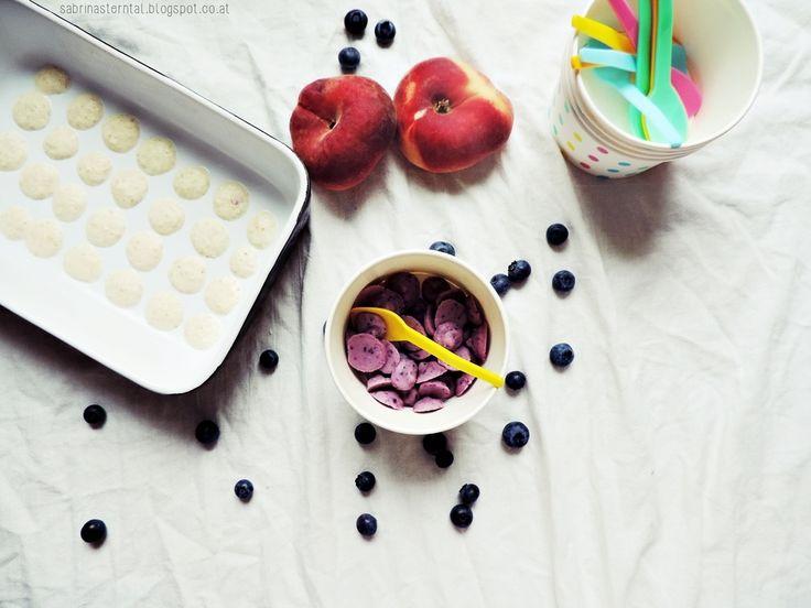 yoghurt drops - kids food |  Eisgekühlte Joghurt-Drops mit Pfirsich