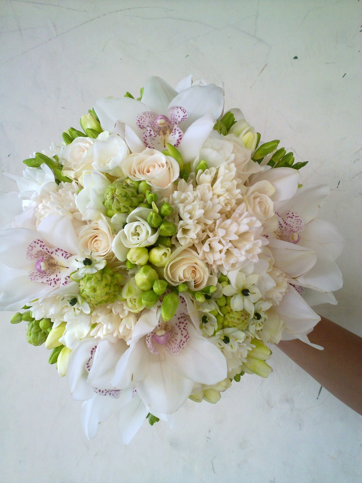 Elegance White and Creme bouquet