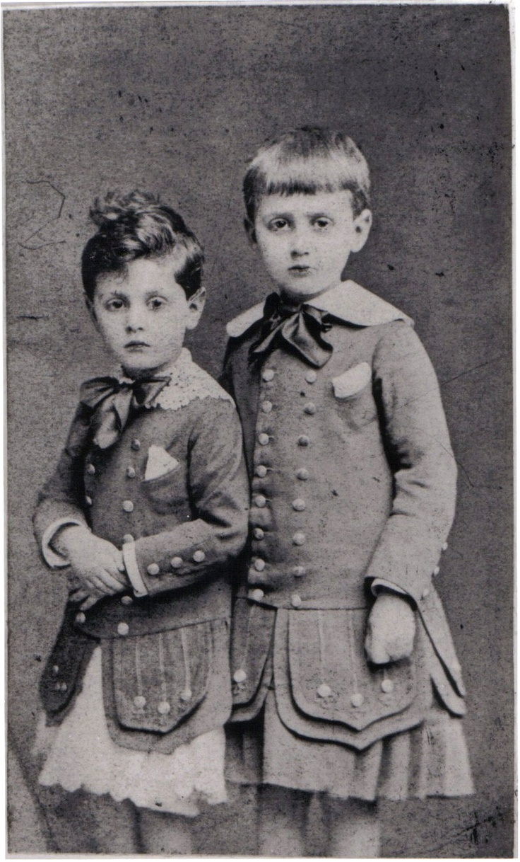 Marcel Proust, with his younger brother Robert