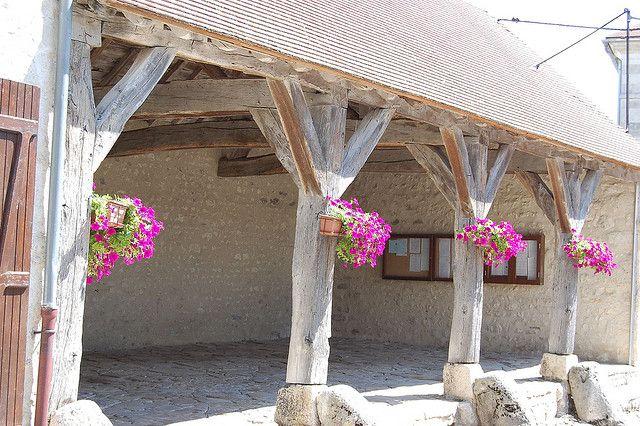 Charroux (Allier) - Halles