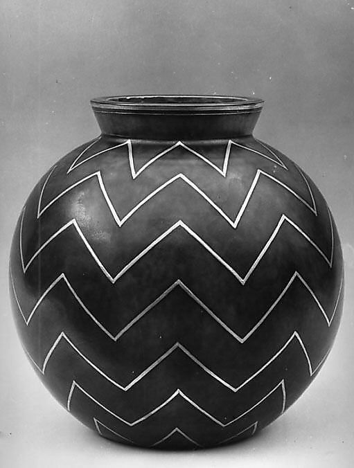 Wilhelm Kage #ceramics #pottery Never seen this before. Lovely!