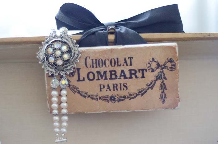 A 1930's French glamour photoshoot - A perfect vintage wedding theme