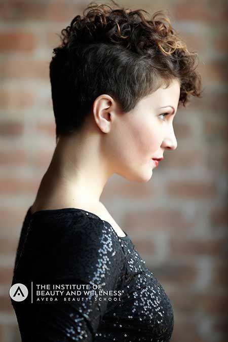 Ombre, acodado Pixie corte de pelo con el lateral largo Bangs