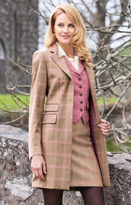 Pure wool tweed short straight skirt in oatmeal/pink. £75