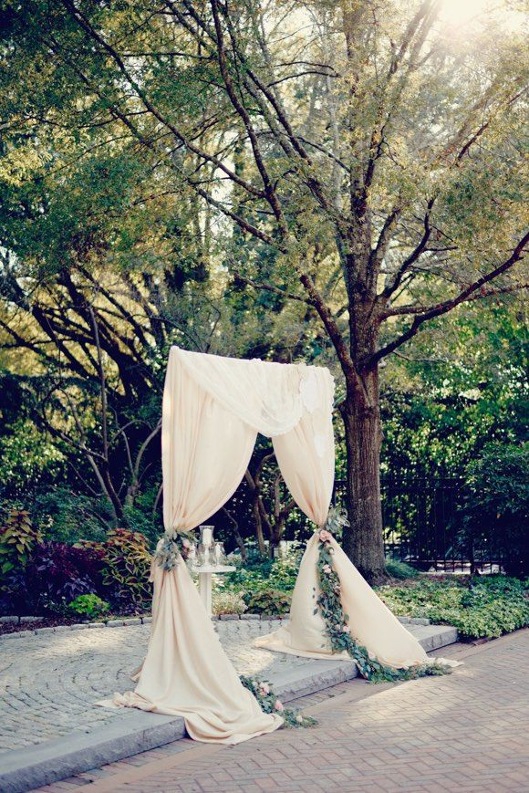 chic outdoor wedding ceremony; photo: Alea Moore Photography
