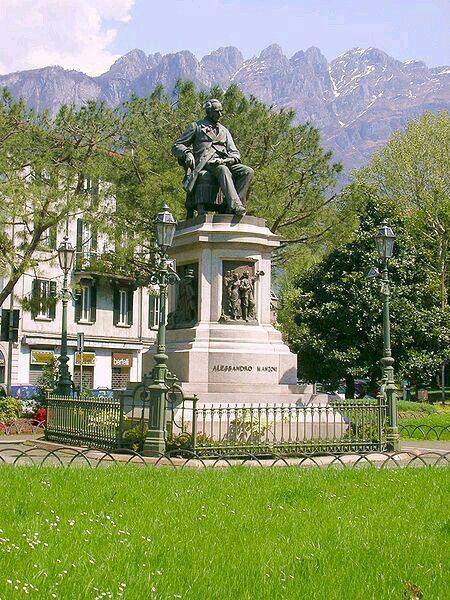Monumento ad Alessandro Manzoni- Lecco