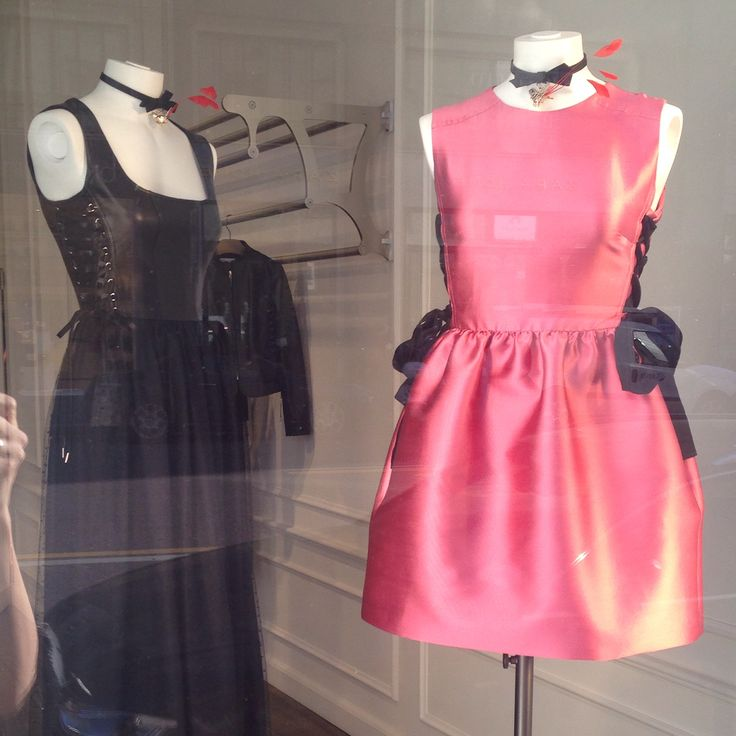 Pretty little pink dress, great for a party in Milan - Valentino Red (Eur 500)