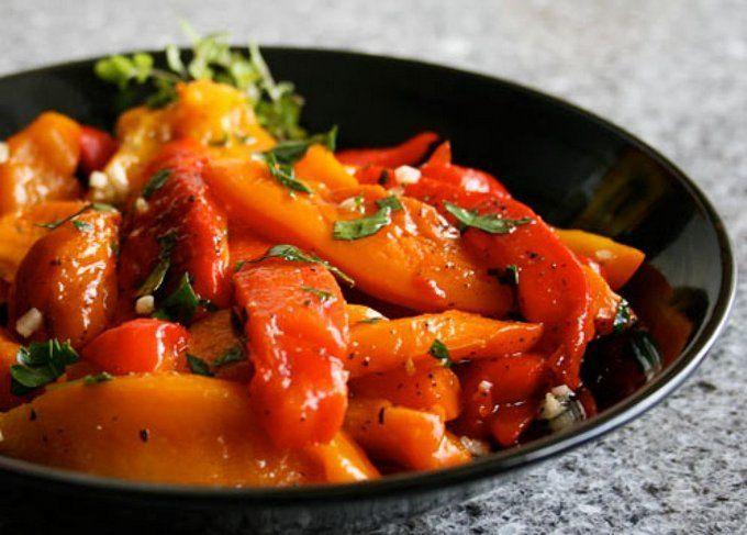 Приготовьте сладкий перец по этому вкуснейшему рецепту. Название испанского блюда эскаливады определил глагол escalivar (кат. — «жарить на углях»). Именно способ приготовления играет здесь ключевую...