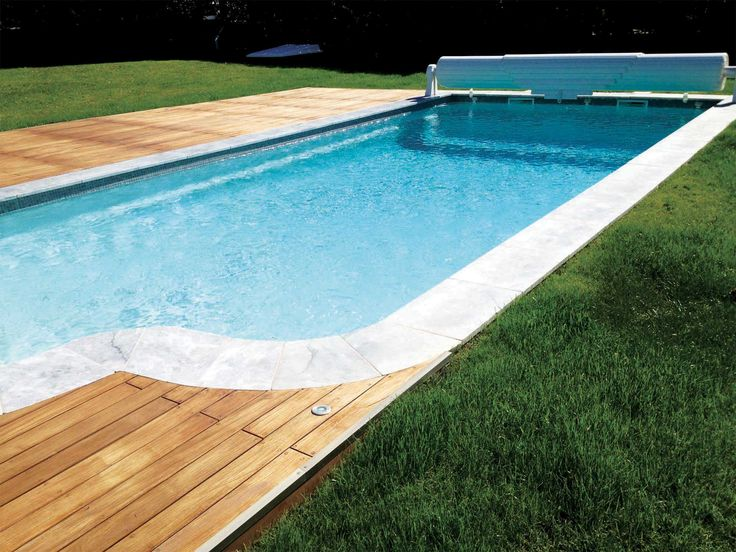 Les 25 meilleures id es de la cat gorie piscine coque for Carrelage contour piscine