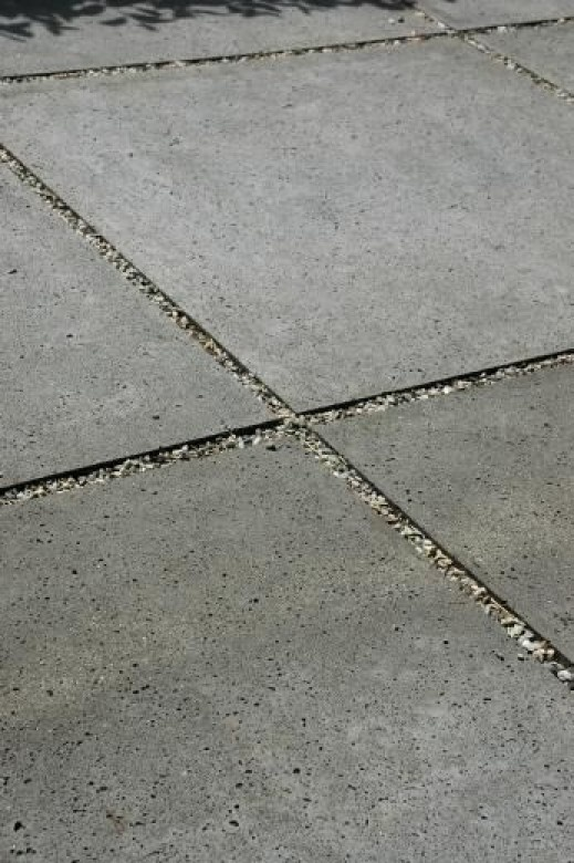 grind tussen beton tegels Door Ierus