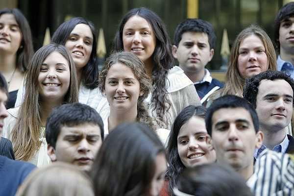 chilenos - chilenos promedio - chilenos feos - chilean people - chilean people white