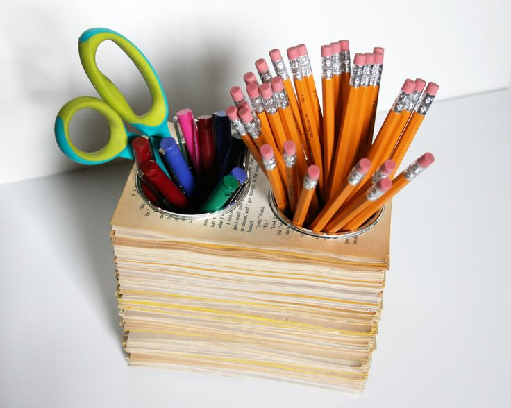 BOOK CRAFTS :: Book Pages Pencil Holder :: This would probably be easiest with a circle dye cut...but you get the idea. Then just insert a couple skinny cans & ta-da!