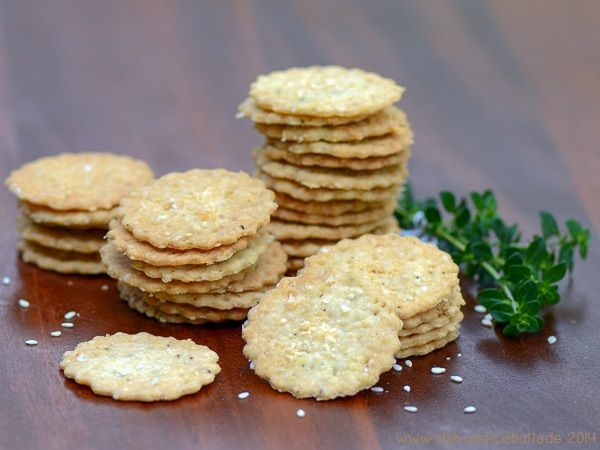 Chili und Ciabatta - Zitronen-Thymian-Sesam-Butter-Cracker