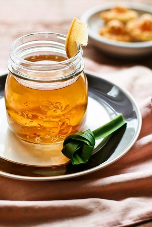 Wedang Jahe Indonesian Ginger Pandan Coconut Cugar Drink recipe at: http://beelittlefood.blogspot.sg/2010/12/wedang-jahe-ginger-honey-drink.html