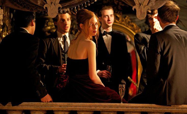 Au bout du conte: Agathe Bonitzer e Arthur Dupont in una scena del film francese