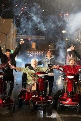 Midnight memories music video pic I can wait to watch it | Midnight memories, One direction, One ...