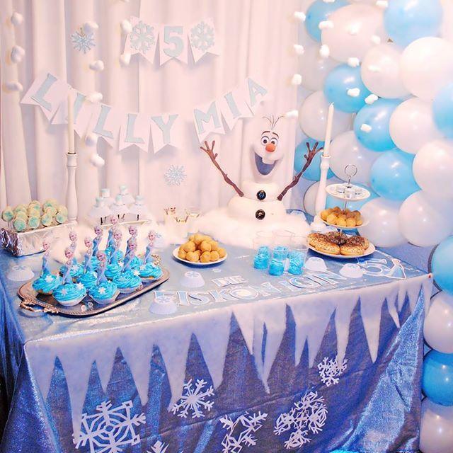 Frozen Party | Die Eiskönigin | Olaf | Schneemann | Snow | Birthday | Kindergeburtstag | Cupcakes | Geburtstag | Anna & Elsa | Fondant Torte | selfmade | DIY