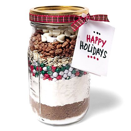 This do-it-yourself, just-add-liquids Christmas cookie, with the ingredients already measured out, is perfect for people who have fun being in the kitchen. There are many possible recipes, all easy for little cooks to assemble. This one we particularly like for its sand-art-like look.