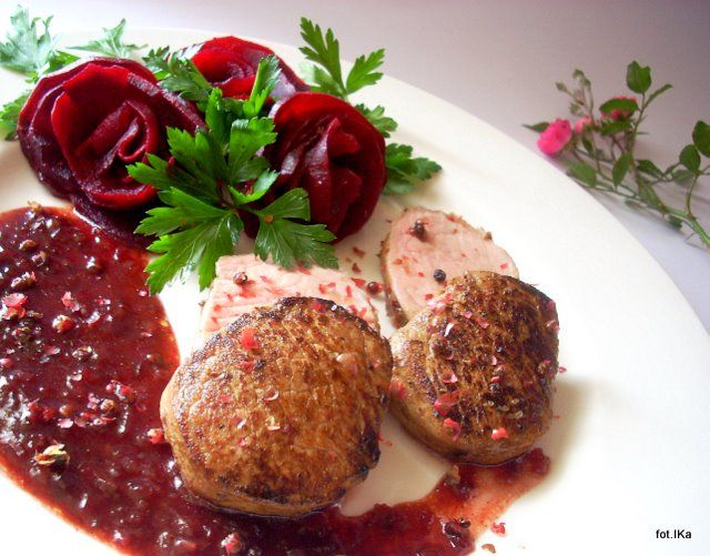 Smaczna Pyza sprawdzone przepisy kulinarne: Polędwiczki w sosie różanym