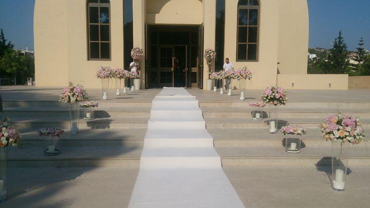 Ανθοστολισμός γάμου Παναγία Φανερωμένη Βουλιαγμένης #lesfleuristes #ανθοπωλειο #γαμος #νυφη #διακοσμηση #λουλουδια #εκκλησια