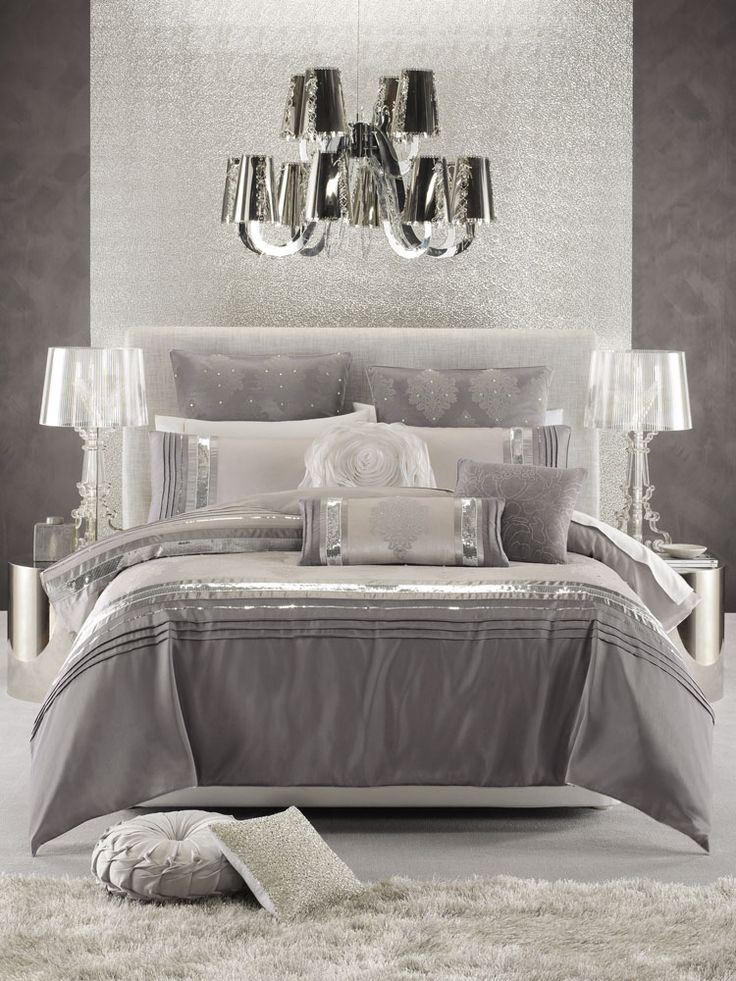 glamorous bedroom in white silver and shades of grey. beautiful ideas. Home Design Ideas