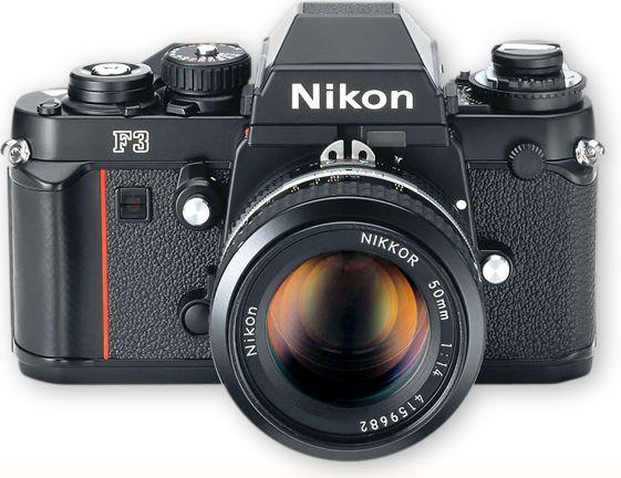 Jeden Tag mindestens 1 Foto schiessen. Am liebsten mit der hier:  Nikon F3 with 50mm 1.4!