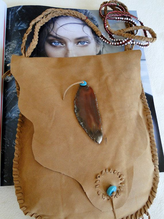 Stunning handmade Native American Style leather bag decorated with Agat and bead…