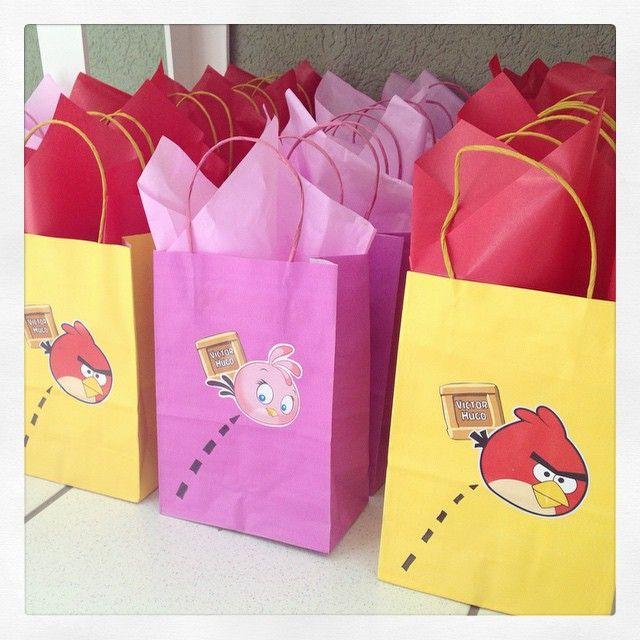 Esta semana fiz as sacolinhas da festa do Victor Hugo, com o tema Angry Birds! #angrybirdsparty #sacolinhas #lembrancinhas #ratchimbum #loja #novaodessa