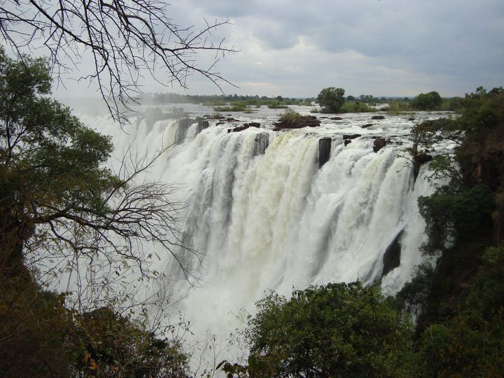 "One question I'm always asked is: ""What is the best time of year to visit Victoria Falls?"""