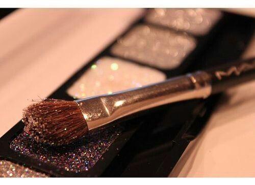 MAC glitter eyeshadow