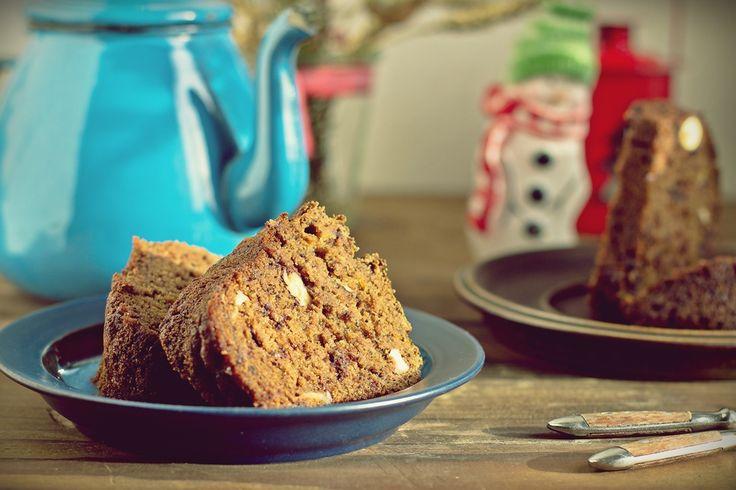 Zielenina: Pełnoziarnista wegańska babka z czekoladą i orzechami (bez cukru)
