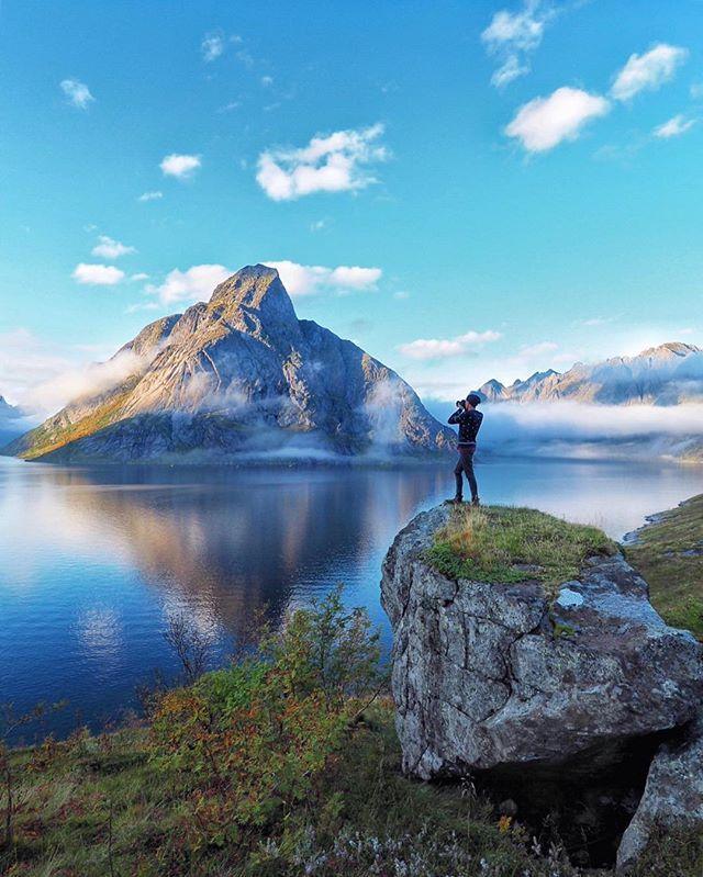 Лофотенские острова - жемчужина Норвегии❤️ здесь можно найти все - от нереальных пейзажей до серфинга и горных лыж⛷ Если планируете поездку в Норвегию, обязательно заезжайте сюда 🙌🏼 #miss_u_norway90210 #наЛофотенахЯвНепромокаемыхШтанах #visitnorwayru @visitnorwayru @northernnorway @lofoteninfo #yolofoten #lofoteninfo