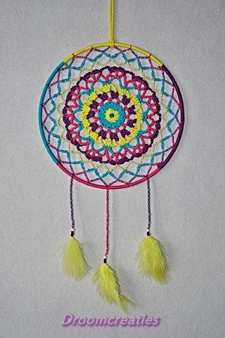 Mandala dreamcatcher no. 1 with beads and crochet by Droomcreaties, €26.95