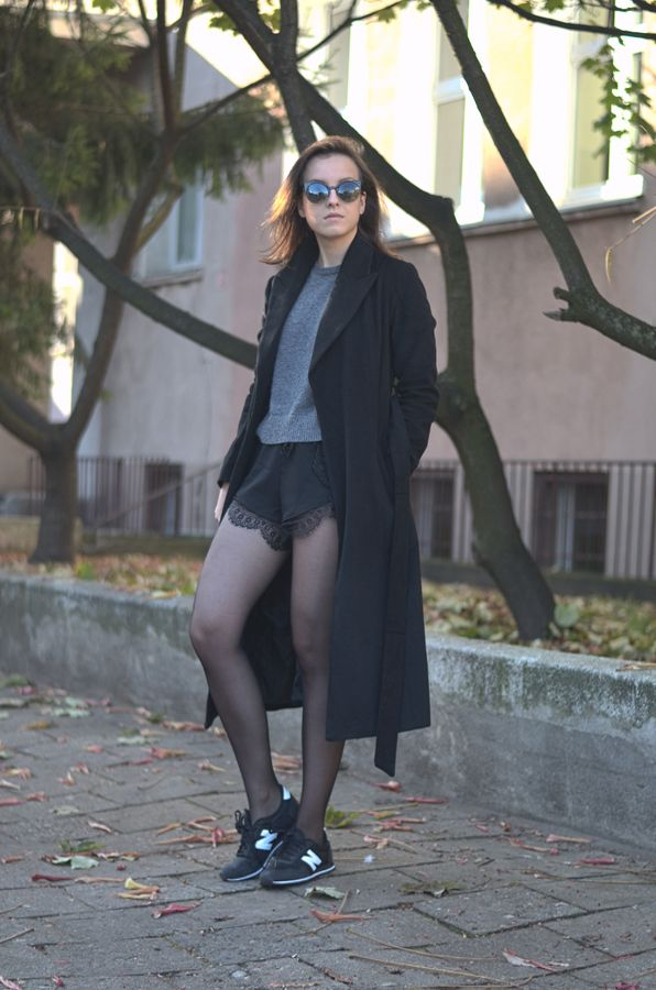 lace shorts long black coat fashion look ootd streetstyle www.letthemwear.com