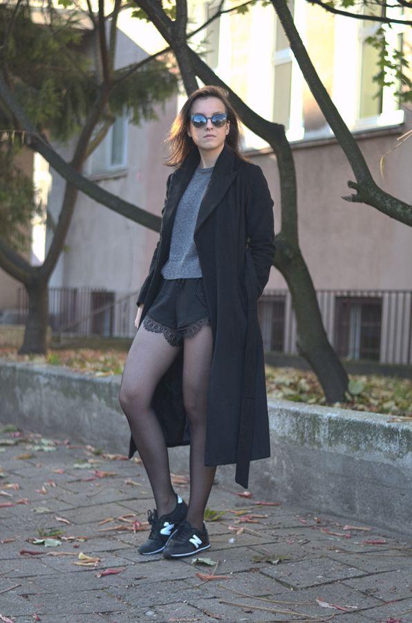 lace shorts long black coat fashion look ootd streetstyle www.letthemwear.com