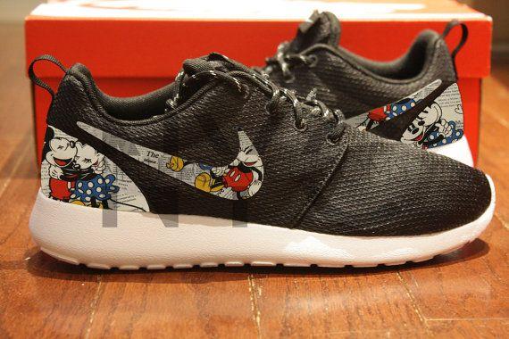 gqinqs Nike Roshe Run Black White Mickey & Minnie Newspaper Print Custom