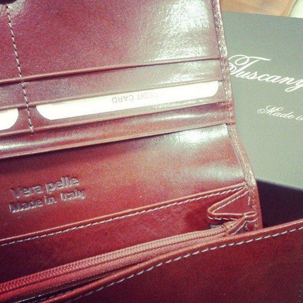 TL140787 Esclusivo portafogli in pelle da donna con soffietti - Exclusive leather accordion wallet for women