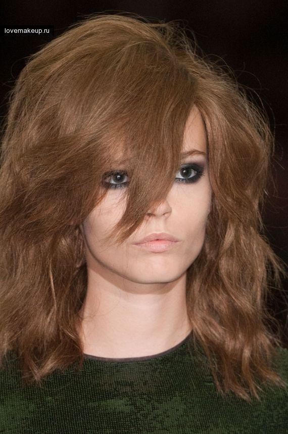 Растрепанные волосы моделей Тома Форда