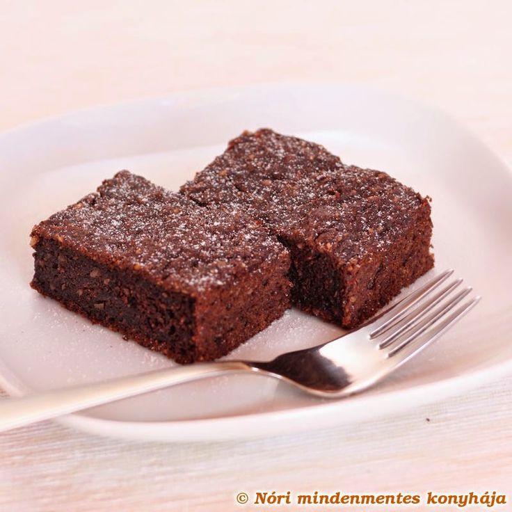 Csokis brownie mindenmentesen: cukor-, glutén-, tejtermék- és tojásmentes, vegán, lowcarb finomság - http://www.mytaste.hu/r/csokis-brownie-mindenmentesen-cukor---glut%C3%A9n---tejterm%C3%A9k--%C3%A9s-toj%C3%A1smentes--veg%C3%A1n--lowcarb-finoms%C3%A1g-34687563.html