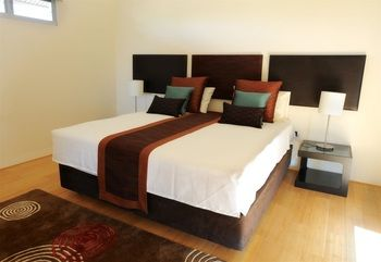 Ocean Front Eco Villa - Air conditioned villa with luxury shower suites and large private terraces with luxury furniture.